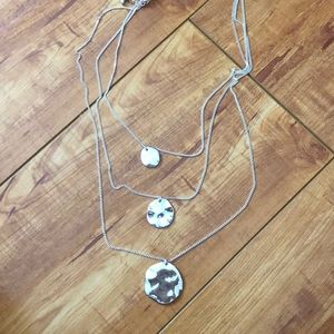 Chloe & Isabel 3 tier necklace